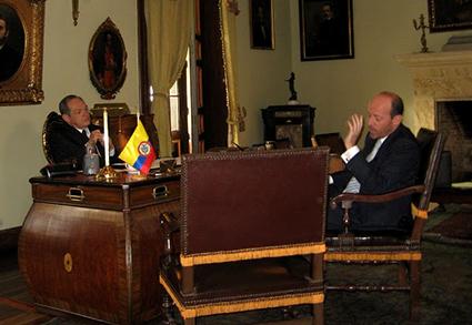 Diego Trujillo en el set de grabación junto al actor Gerardo Calero Foto: RCN - FoxTelecolombia