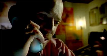 Diego Trujillo es Arturo / Captura del Trailer de Cuando Rompen las Olas